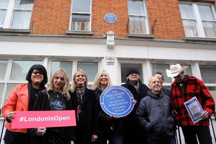 10_london-is-open
